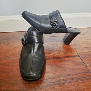 St. John's bay slip on leather heels size 8